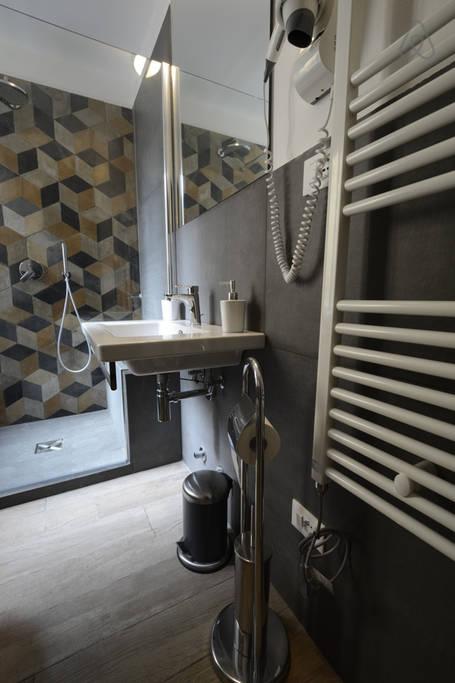 Bagno camera 1